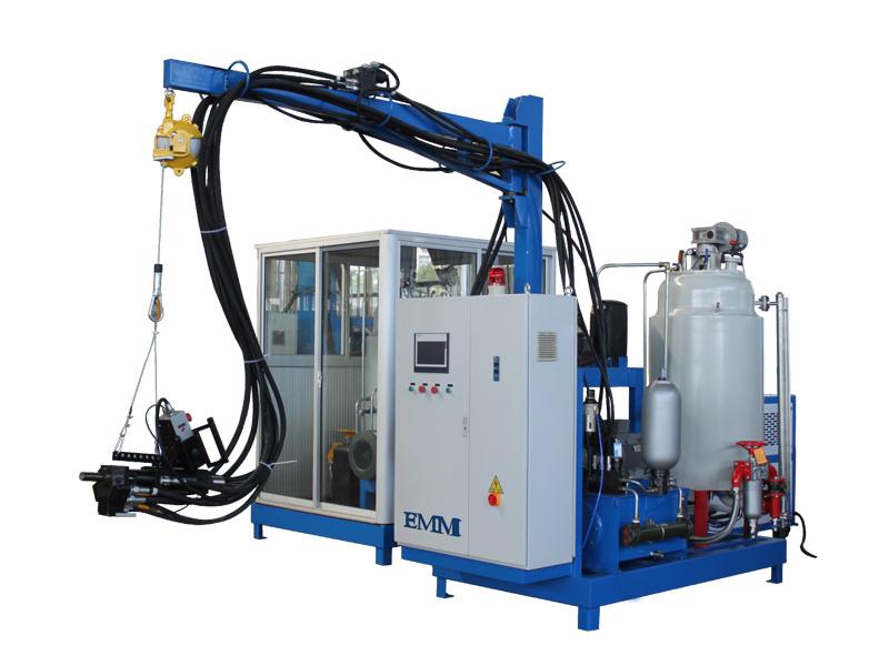 Machine d'isolation de mousse de polyuréthane pulvérisée