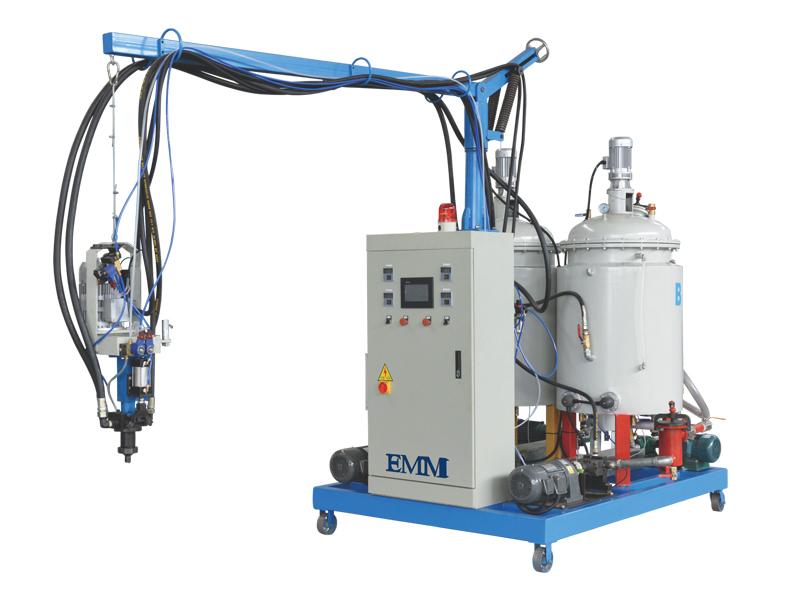 Machine d'isolation de mousse d'unité centrale à basse pression