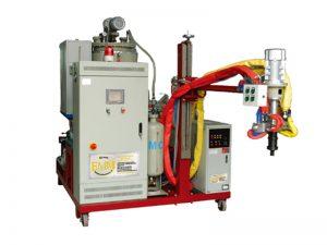Machine de moulage en élastomère de température